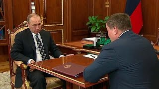 Путин и губернатор Волгоградской области Андрей Бочаров