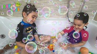 Bathtub Dance Kids Song | Ingrid and Chris Nursery Rhymes & Kids Songs