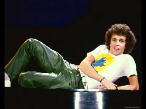 Leo Sayer - On The Old Dirt Road