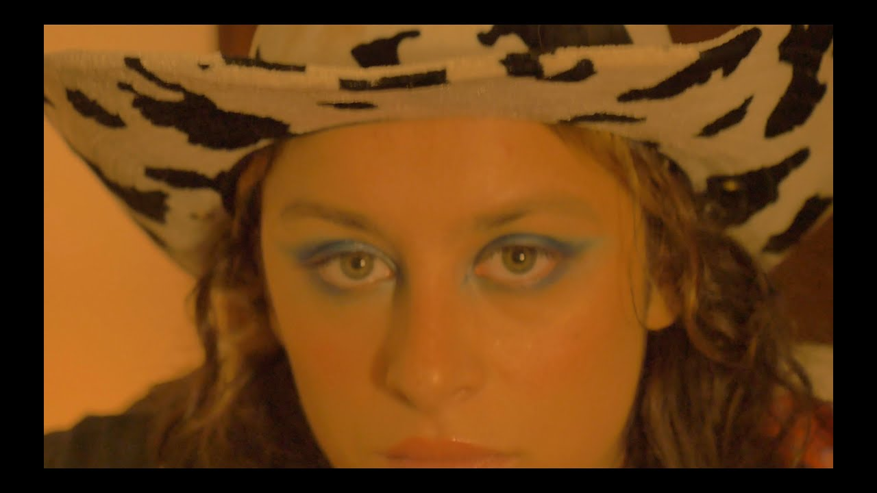 Boyish – Superstar (Official Video)