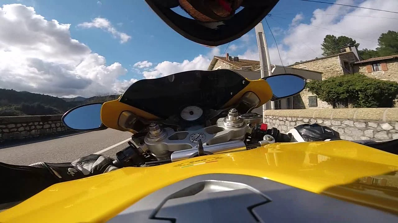 Old school ride, Ducati 749 S - YouTube