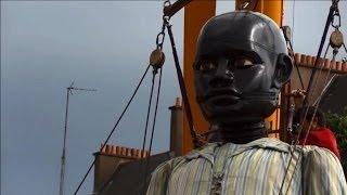 """Les """"Géants"""" de Royal de Luxe débarquent à Nantes"""