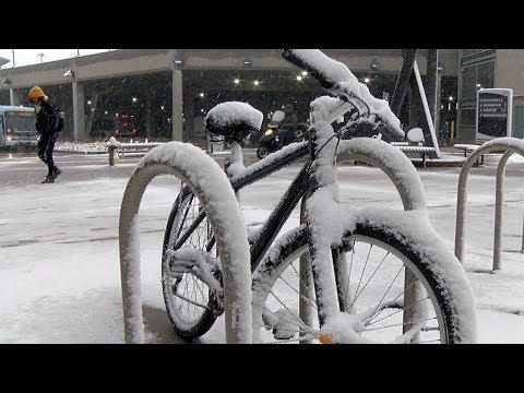 First snow of season in Denver metro area a love-hate relationship