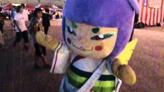 橿原市内の夏祭りで、盆踊りをしている「さららちゃん」を発見 撮影:20...