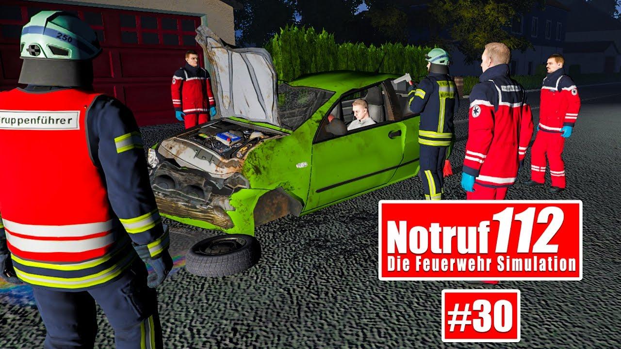 NOTRUF 112 #30: Verkehrsunfall - Person aus dem Auto retten! I ...