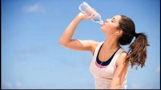 INILAH!! 7 Bahaya Minum Sambil Berdiri yang Wajib Kamu Waspadai