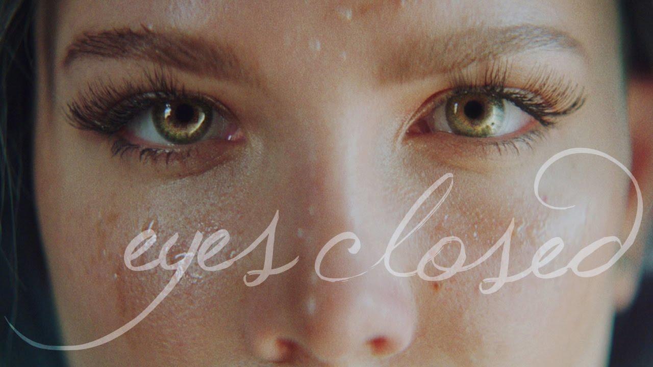 Wallpaper Girl Sad Mood Halsey Eyes Closed Acoustic Youtube