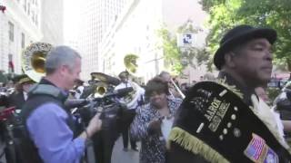 Allen Toussaint tribute in New Orleans ends with a second-line, full length