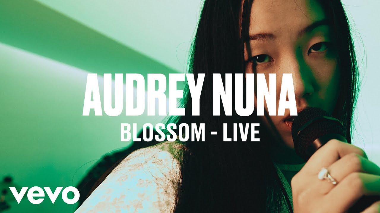Audrey Nuna - Blossom (Live) | Vevo DSCVR