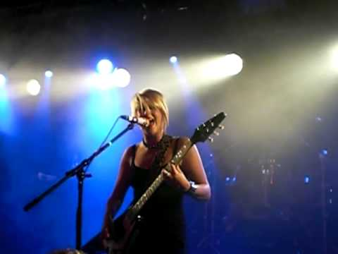Kittie - Into the Darkness LIVE