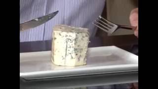 видео: Плесневеет ли сыр с плесенью