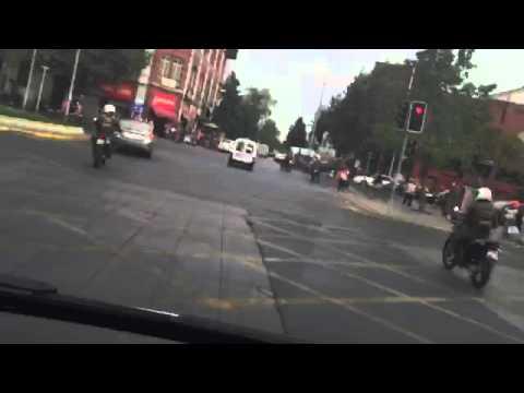 Ambulancia escoltada por carabineros de chile parte 2