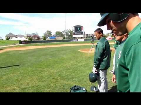 Maury Wills works with the Slammers