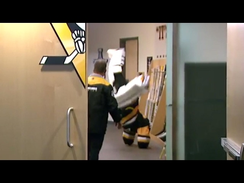 Thumbnail: Another reason to love Fleury: he can cartwheel in goalie equipment