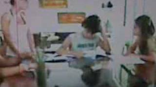 La Emi huele mal (Parodia Karku) Thumbnail