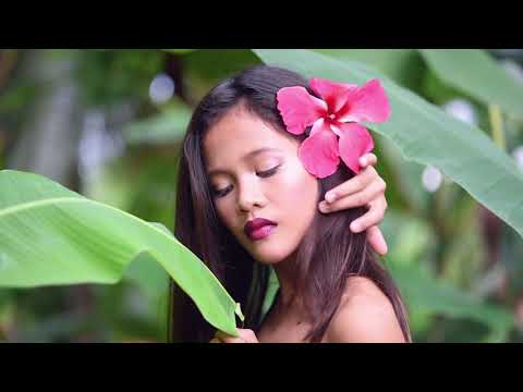 """philippines-photographer.-""""young-girl-in-jungle-shooting"""""""