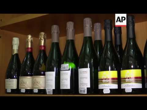 Italy cracks down on production of fake prosecco