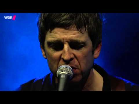 Noel Gallagher's High Flying Birds - Don't Look Back In Anger (Live)