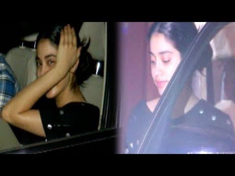 Janhvi Kapoor Tries Hiding Her Face Outside Arjun Kapoor House