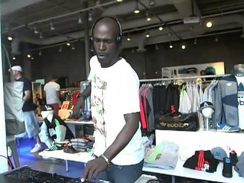 MASTER DJ TONY SOUL - WMC 2013 - RADIO4BY4.COM - ADIDAS STORE - SOUTH BEACH - DEEP HOUSE