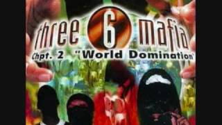 Watch Three 6 Mafia Gunclaps video