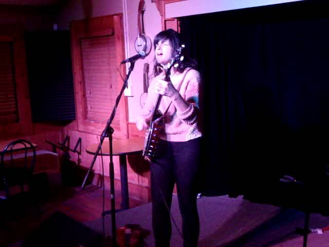 Rachel Baiman Sandy Springs 1/7/2014 Fall On My Knees