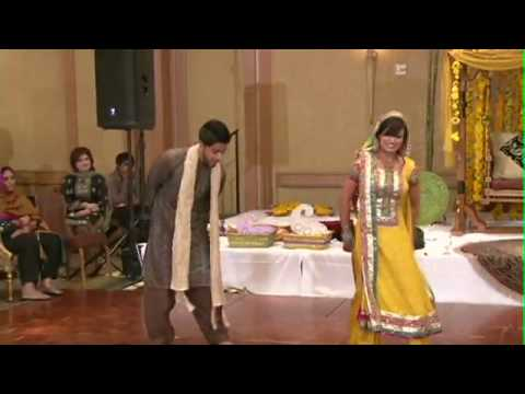 YouTube - Hinnaa and Latif Mehndi & Wedding Highlights.flv
