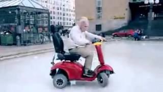 Papy En Scooter électrique équipé Mdr