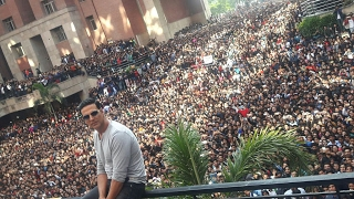 Video Akshay kumar live | Doing Stunts| @Amity download MP3, 3GP, MP4, WEBM, AVI, FLV April 2018
