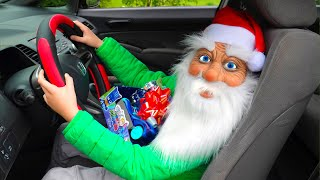 सांता क्लॉज ने डांसिंग कार राइड और क्रिसमस प्रेजेंट्स के साथ एली के माता पिता को आश्चर्यचकित किया