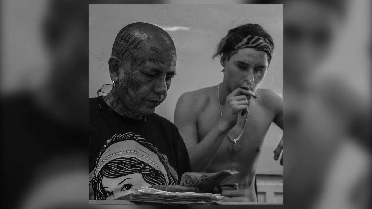 MORIR EN EL ESCENARIO (VIDEO OFICIAL) – RICH WHITE FT. FLAKO DOGG