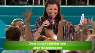 Allsång: Lotta Engberg hyllas som Dancing Queen