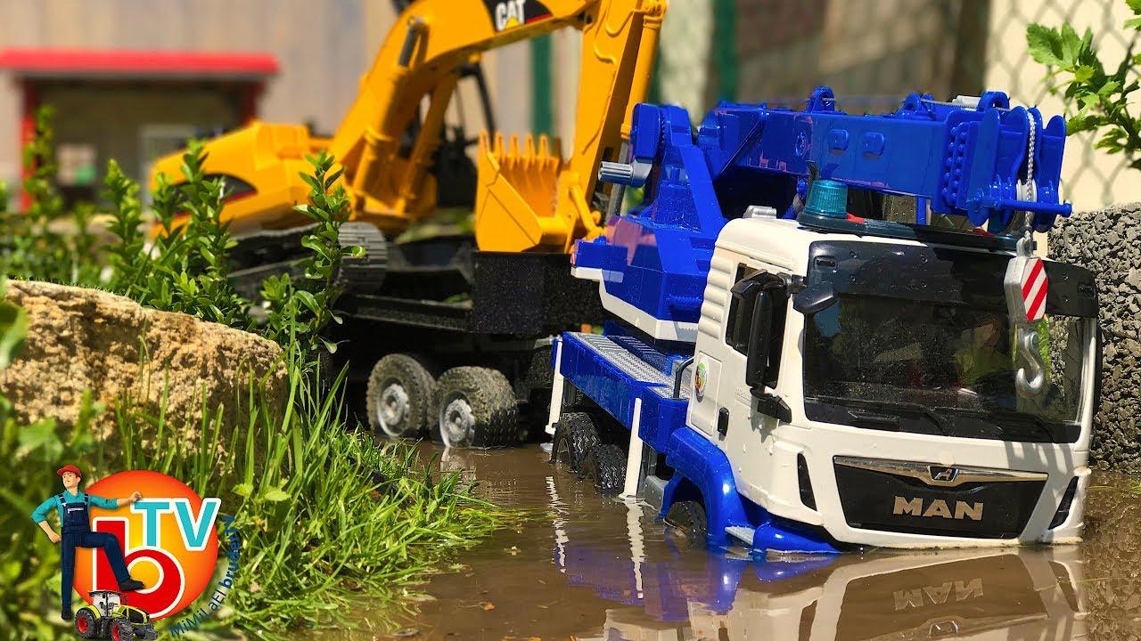Bruder Trucks River Crossing New Lkw Man Garbage Crane