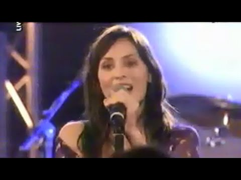 Natalie Imbruglia - Concert Live MCM Cafe Paris 10-04-2002