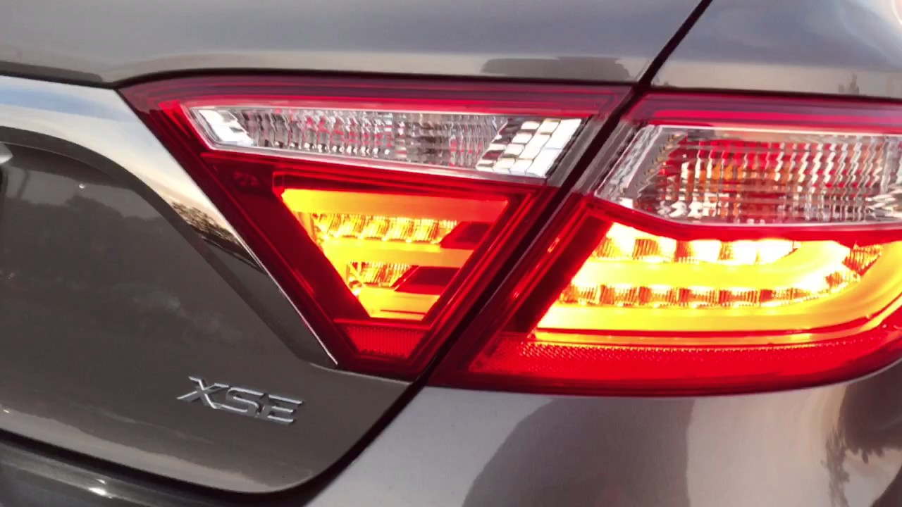 2016 toyota camry xse v6 led taillight youtube. Black Bedroom Furniture Sets. Home Design Ideas
