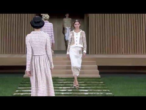 Показ мод CHANEL Весна-Лето 2016 / Spring Summer 2016 Haute Couture Show CHANEL