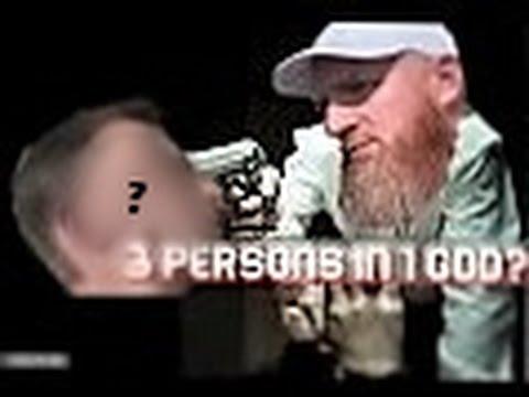 Hyde Park London Speakers Corner || Really? 3 Persons in 1 God?! || Hamza vs White Christian Man