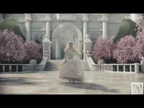 Download [Alice In Wonderland] White Queen
