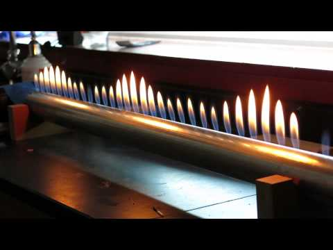 Sound Wave Visualization with Fire - Rubins Tube