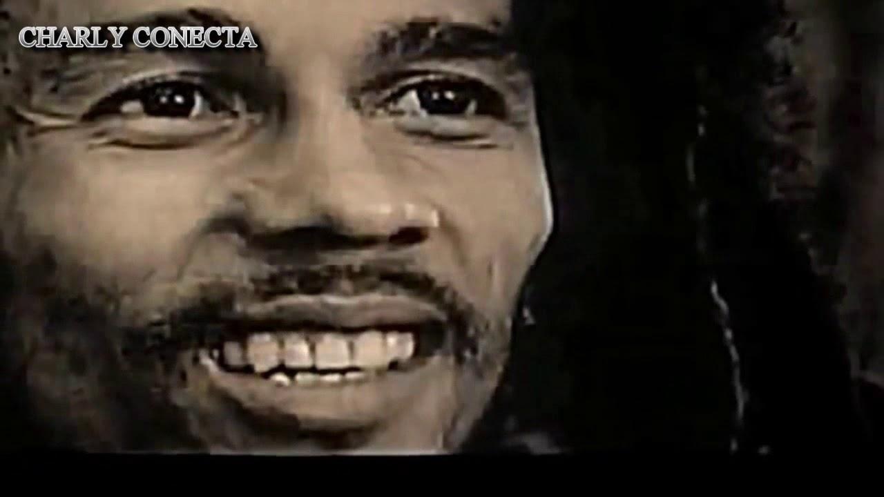 Bob Marley Jugando Futbol Could You Be Loved Youtube