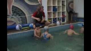Занятия в бассейне в детском саду Жемчужинка(Занятия в бассейне в детском саду Жемчужинка., 2012-10-27T19:46:30.000Z)