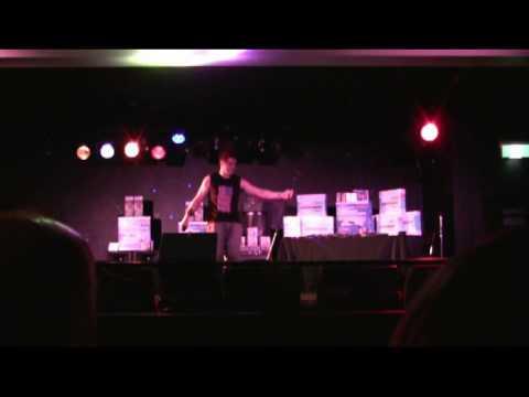 Matt De'Ath performing karaoke @ the KWC Victorian Grand Final in 2009.