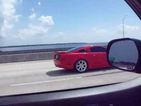 SALEEN S281 rev and accelerating fast