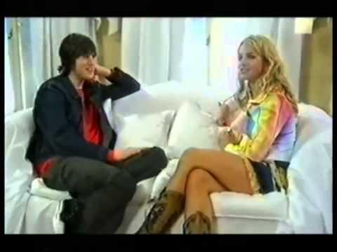 Vernon Kay interviews Britney Spears part 2
