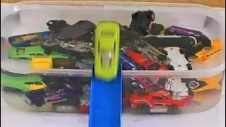 TOY CARS WASHING AND EMERGE FROM THE WATER