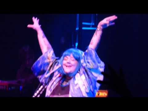 Elle King - Last Damn Night - Live at The Fillmore in Detroit, MI on 10-30-16