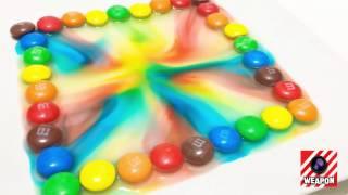 [Hóa học và cuộc sống] - thí nghiệm với kẹo đầy màu sắc, màu bay lượn trong cốc nước