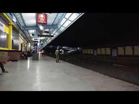 Birthday boy Nagpur-Mumbai CST Duronto Express with AJNI WAP-7 skipping Badnera JN at mps
