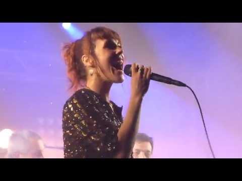 Zaz - Laissez-moi - live Tollwood München Munich Musik-Arena 2013-07-08