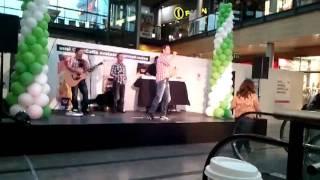 Jussi Rainio (neon 2)  Tässä Talossa - Iso Omena 23.9.11